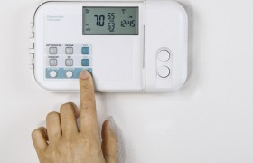 Your Heat Pump's Thermostat: What You Need to Know for Winter Programming